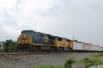 CSX 5452 leads a WB manifest on the UP Houston Sub